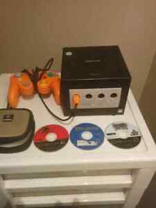 Selling GameCube, with Orange Controller, and 3 games!!