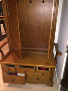 Great shape antic finishing wardrobe and 2 bar stools