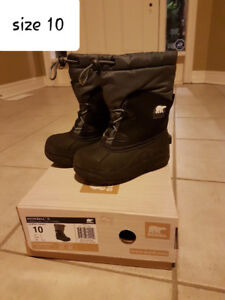Boy's/Girl's Winter Boots and Rain Boots, Excellent Condition!