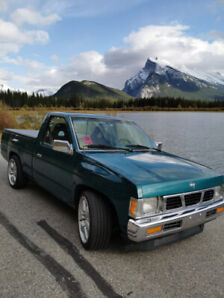 Nissan Pick-Up hardbody XE 1995 (5000 negotiable)