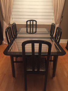 Dining room set with 6 chairs and buffet unit