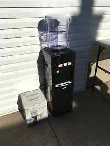 Water cooler with filter