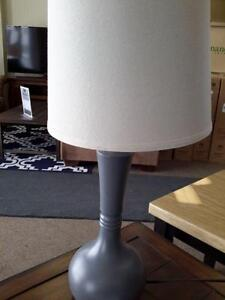 *** USED *** ASHLEY SYNTHIE LAMP (2/CN)   S/N:51216711   #STORE525