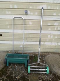 Garden lawn aerator and lawn feed spreader