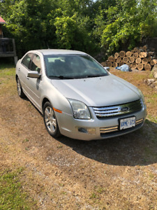 '09 Ford Fusion  *LOW 75k KMS*