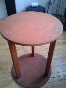ROUND WOOD TABLE DECOr PLANT STAND 68CM HEIGHT 51CM DIAMETER