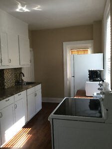 Simcoe/Adelaide Charming 3 Bdrm Home Close to All Amenities!