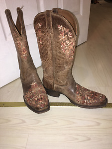 Womens Ariat Genuine Leather Cowboy Boots
