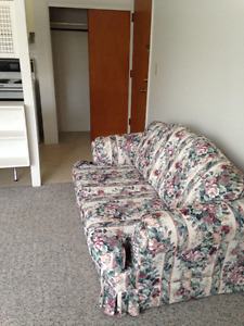 LOVESEAT IN GOOD CONDITION FOR SALE $100.
