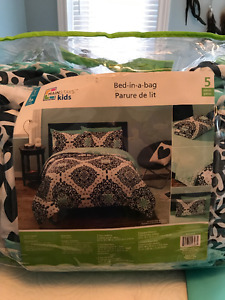 Brand new bedding! Single bed