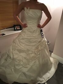 Wedding dress- size 10- new with tags!