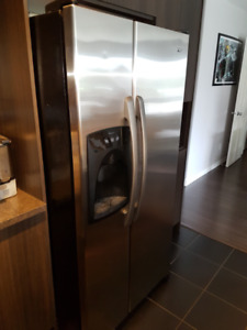 Refrigerateur Amana Stainless, 33 Pouces