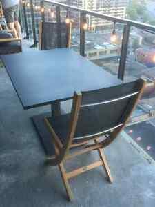 Mobilier de teck neuf (4 chaises et une table) - Jardin de Ville