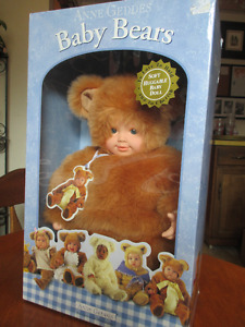 ANNE GEDDES BABY BEARS DOLL (MINT IN BOX)