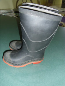 Toddler rubber boots size 7