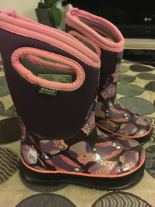 Bogs Girls Boots Size 8 Excellent Condition