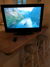 32 Inch Immaculate LCD TV with Freeview