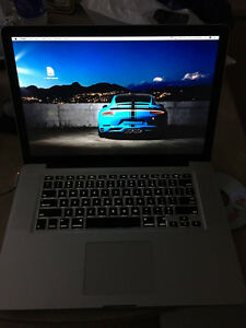 Late 2011 MacBook Pro 15.4 2.2ghz i7, 120gb SSD, 8gb ram+MS OFFI
