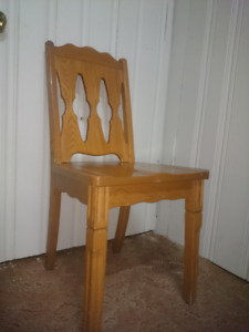 TRIBAULT Hardwood Antique Chair