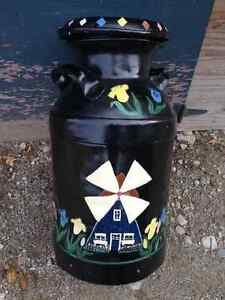 VINTAGE HAND PAINTED LARGE METAL MILK CAN 0 PARKER PICKERS -