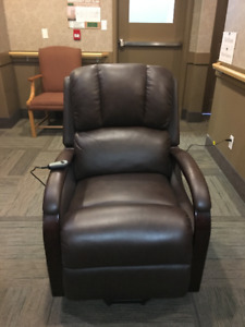 """THE BRICK """"Ray"""" Leather Power Lift Recliner Chairs (2)"""