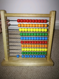 Sturdy solid woods beads children toy