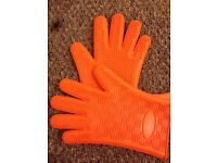 New silicone oven gloves