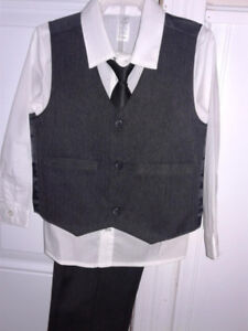 Boys 4T Suit and Dress Shoes - New