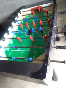 Gitoni Foosball Table. Coin operated. new locks and key