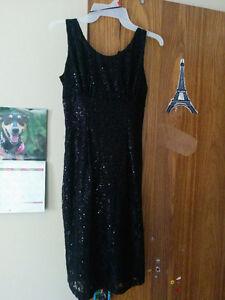 Knee length black dress (small) Windsor Region Ontario image 1
