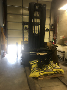 Large Battery Operated Fork Lift For Sale