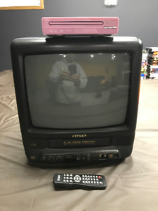 "13"" Citizen AC/DC, TV/VCR combo & DVD player! Good Condition!"
