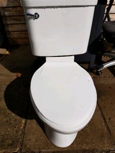 longated toilet