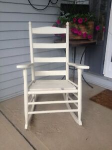 Rocking chair - garage sale today