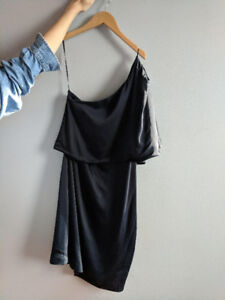 Reiss Solstice One Shoulder Dress: Never worn, perfect condition