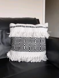 Monochrome cushions x4