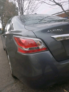 $$3000 CASH BONUS $$ - 2015 Nissan Altima 2.5 SL w/ Tech Package