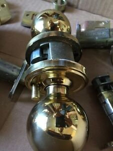 12 Matching Brass door knob sets;  7 passage, 5 privacy Peterborough Peterborough Area image 4