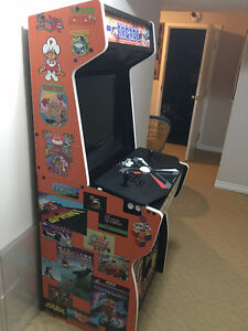 RETRO Arcade Cabinet Customized - Like new