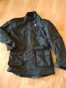 Touring protective motorcycle jacket