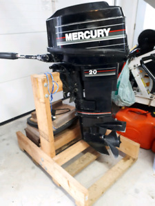 Mercury 20 HP Outboard Motor