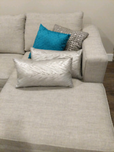 Accent cushions