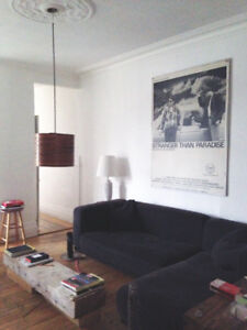 Large Room, really well located , sunny appartment, all included