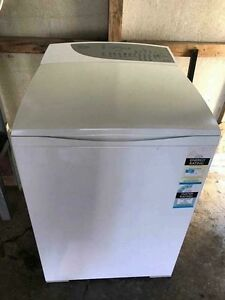 Fisher &a Paykel 8kg washing machine Greta Cessnock Area Preview