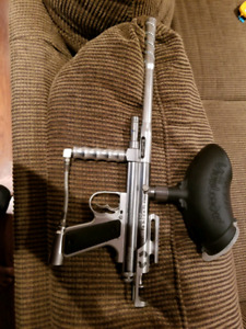 Mokul focus  paintball marker and gear
