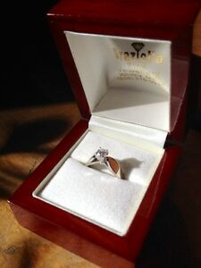 18KT White Gold Solitaire Engagement Ring Peterborough Peterborough Area image 2
