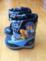 Boys winter boots size 6