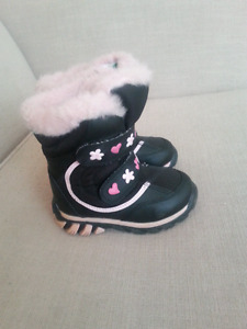 Cougar Girls Winter Boots size 7