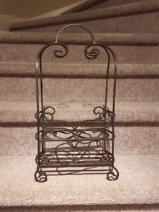 Support bouteilles de vin;Wrought iron rack for 2 wine bottles.