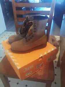 Steel toe work boots Windsor Region Ontario image 1